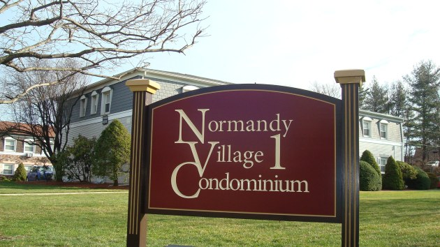 23 Normandy Village, Nanuet condo for sale. Rockland County real estate. FHA approved condo!