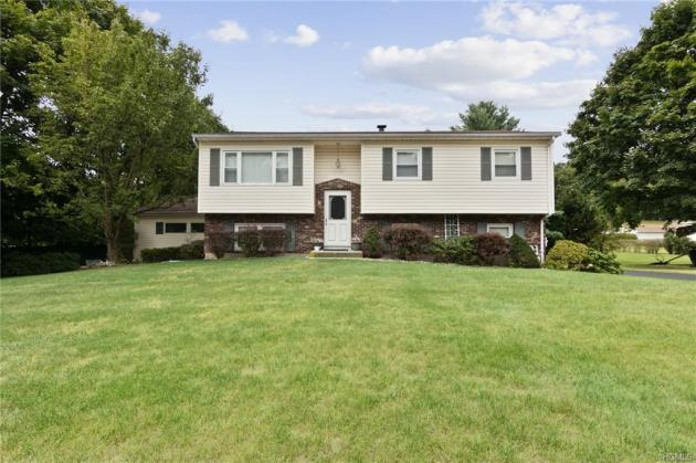 nanuet mother daughter real estate house for sale
